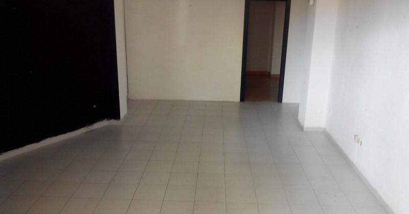 Local de 60 m2., en calle Sagunto