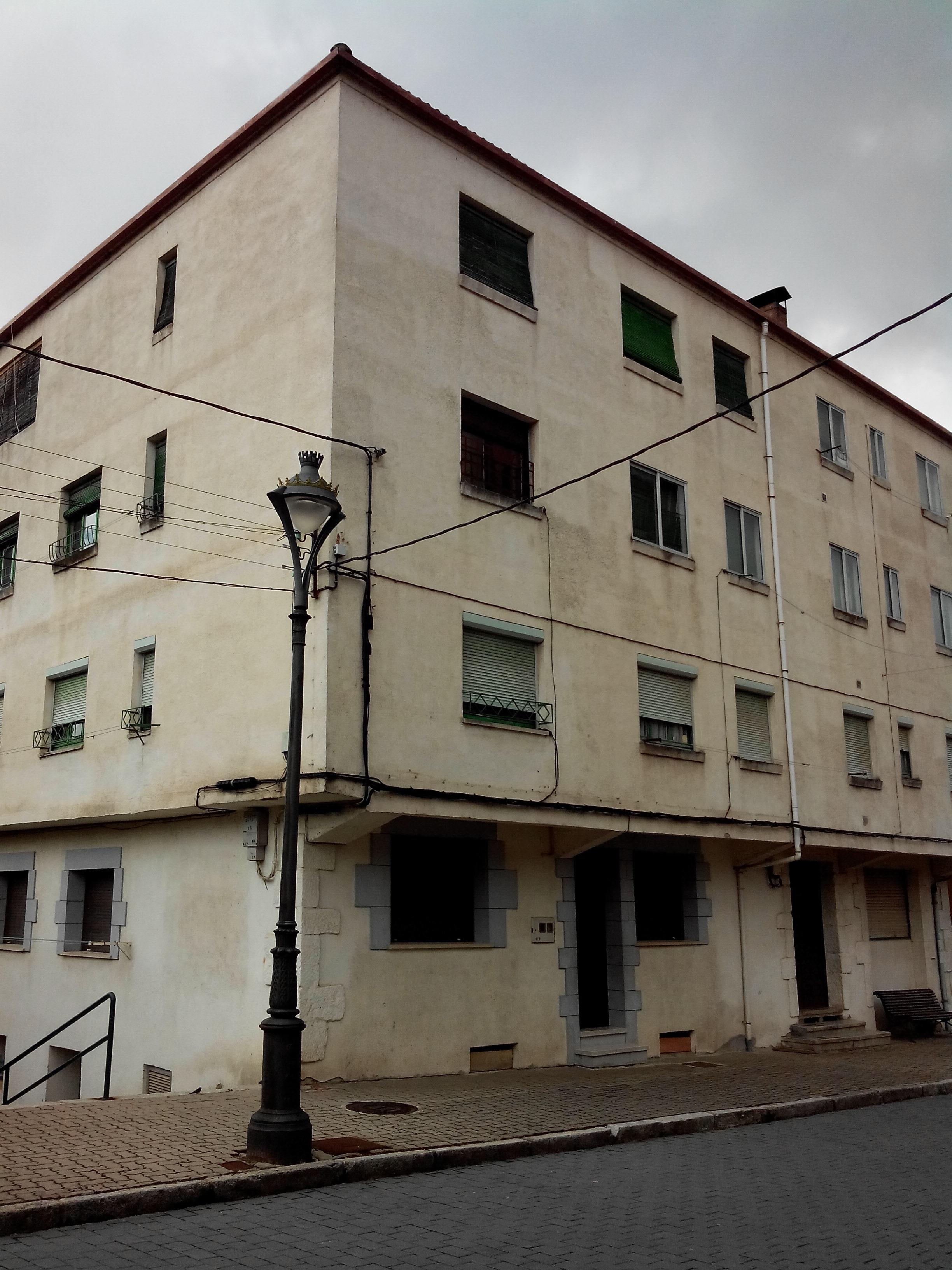 Navaleno piso de banco para reformar pisos y casas for Pisos en soria de bancos
