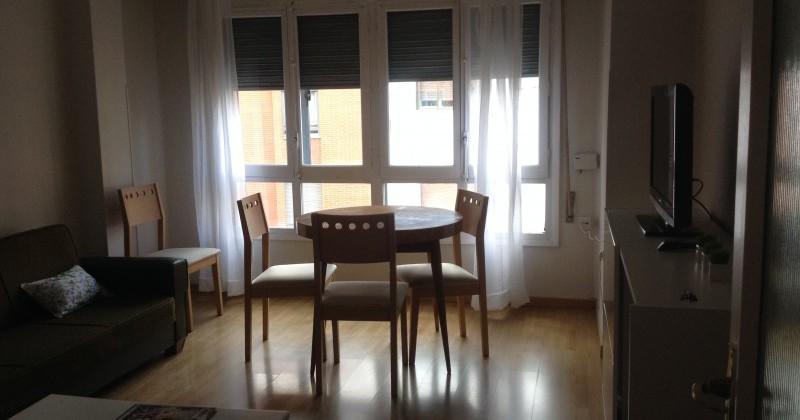 Venta de amplio piso de 5 habitaciones pisos y casas for Piso 5 habitaciones
