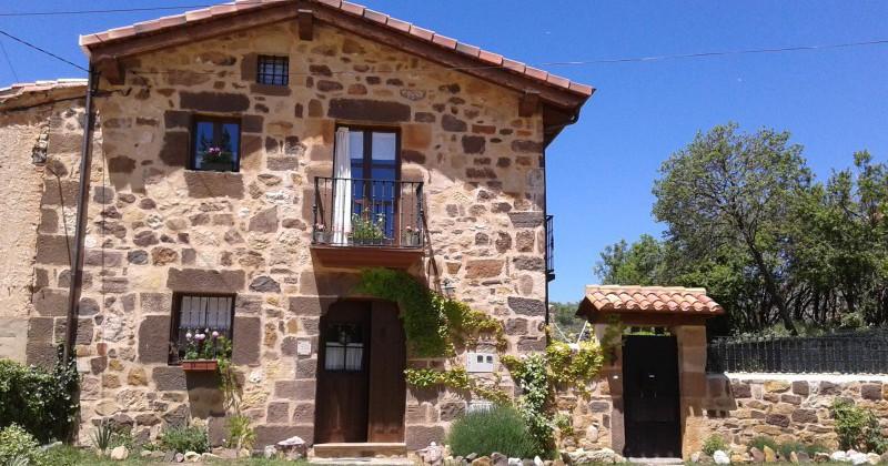 Casa de piedra del siglo xviii restaurada en 2010 pisos y casas - Casas de piedra ...