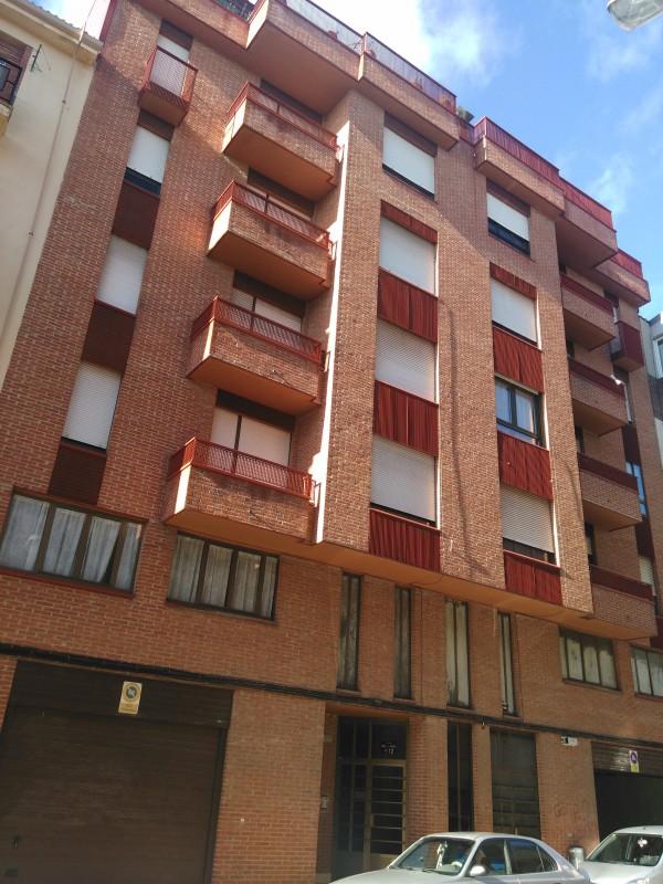 Piso de 4 dormitorios bien orientado pisos y casas for Pisos 4 dormitorios malaga