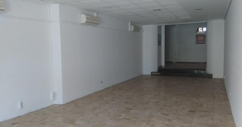 Local de 80 metros en calle caballeros pisos y casas for Pisos 80 metros