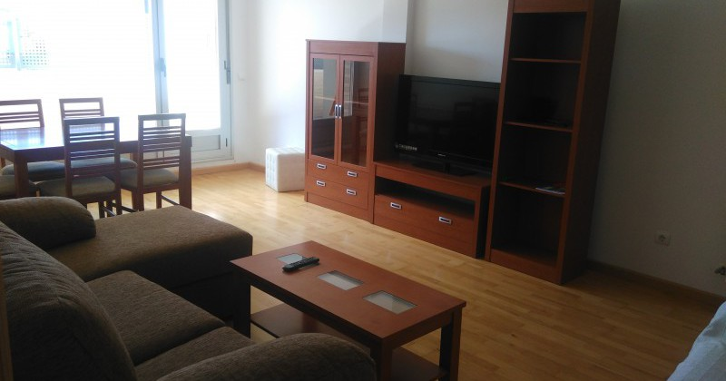 Piso de 2 dormitorios y 2 terrazas en alquiler