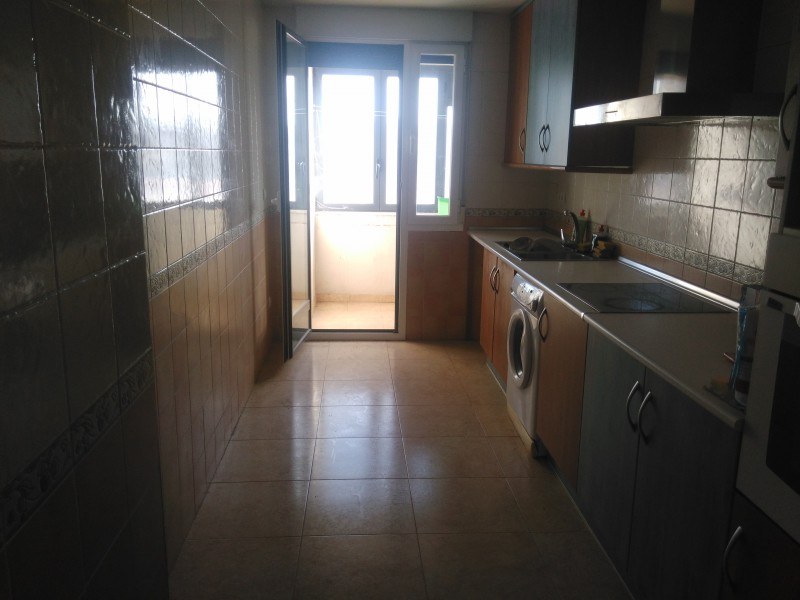 Piso de banco en almazan pisos y casas for Pisos en soria de bancos