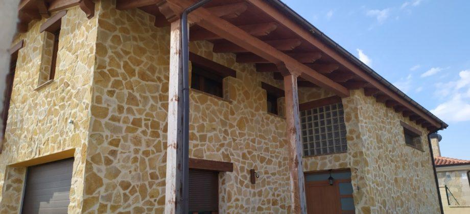 Hermosa casa de piedra con doble altura en Almajano
