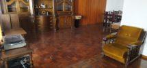 Hermoso salón recibidor, en piso céntrico
