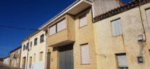 Casa con garaje nave en Miranda de Duero