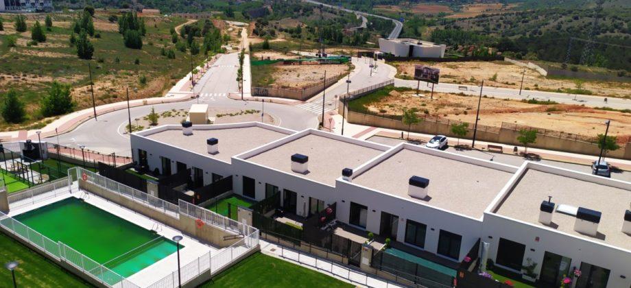 2 Pisos de nueva construcción en residencial Avenida Europa