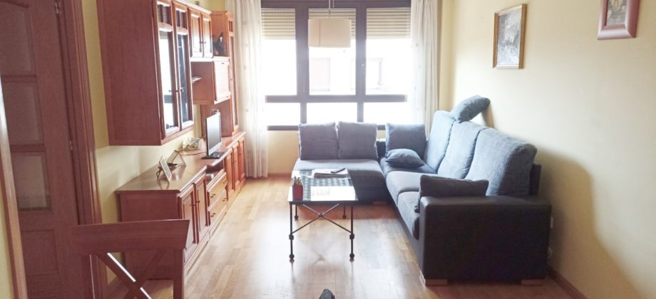 Del 2006 con poco uso, 3 dormitorios, garaje y trastero.