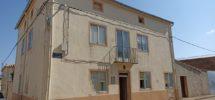 Casa de mas de 500 m2 en Almenar